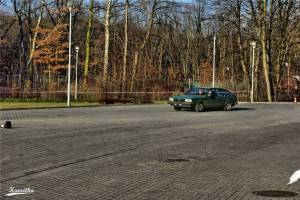 Volkswagen Passat podczas przejazdu