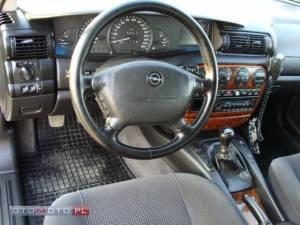 Opel Omega B 7