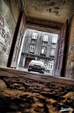 Polonez Caro - brama na ulicy Częstochowskiej